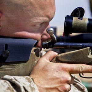 Az élménylövészet mesterlövész puskával kiváló stresszlevezetés
