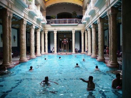 Gyógyfürdők és apartmanok Budapesten